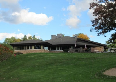 Bull's Eye Country Club Clubhouse