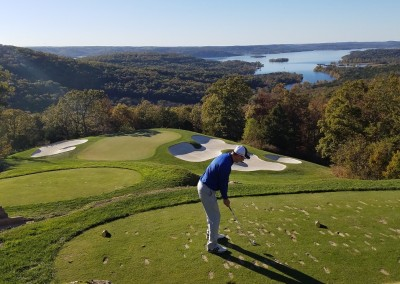 Top Of The Rock Hole 2 Tee