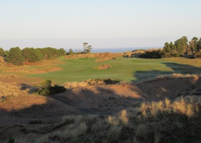 Pacific Dunes Hole 2 Tee