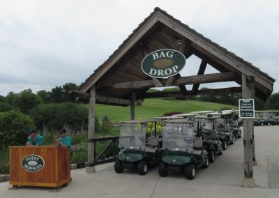 Hawks View Golf Course Bag Drop