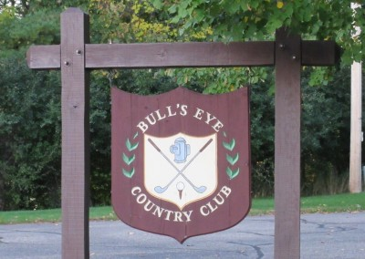 Bull's Eye Country Club Sign