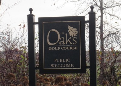 The Oaks Golf Course Sign