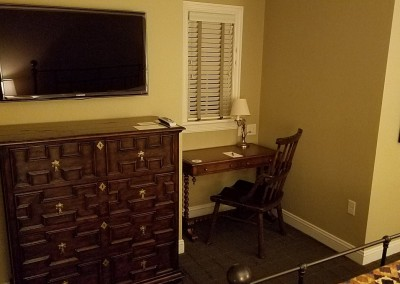 EHGE 2017 Erin Hills Ballybunion Cottage Bedroom 2 Desk
