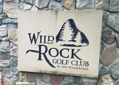 Wild Rock Golf Club Sign