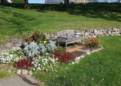 Lake Windsor CC (188) Hole 14 Flowers