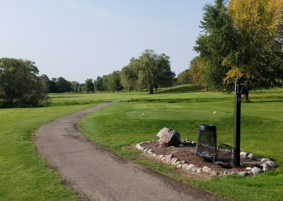 Lake Windsor CC (202) Hole 17 Tee